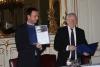 dr. Nyitari Zsolt NFM helyettes államtitkár és Nagy Miklós NIIFI igazgató emléklap aláírása 2